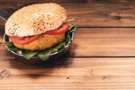 Bruins: 'Ik maak mijn lijn over etikettering van vegaproducten voor de zomer bekend'
