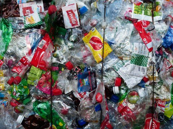Veolia en Nestlé werken samen om plasticlekkages tegen te gaan