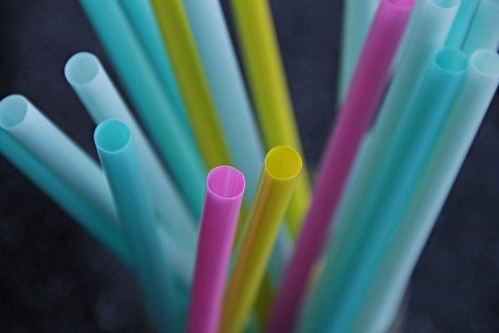 Plastic rietjes verdwijnen in 2021