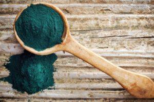 Natuurlijke blauwe kleurstof op basis van alg biedt mogelijkheden voor voedingsindustrie