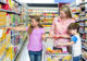 Attachment moeder met kinderen in supermarkt 80x56