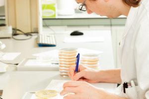 Lessen die we kunnen leren uit de praktijk over Listeria monocytogenes