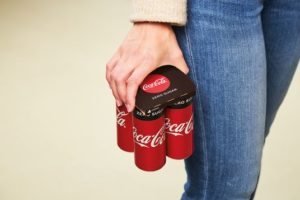 Coca-Cola introduceert duurzame KeelClip verpakking