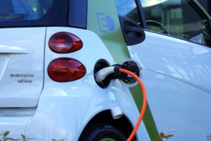 Overstappen op elektrisch wagenpark? Begin met personenauto's